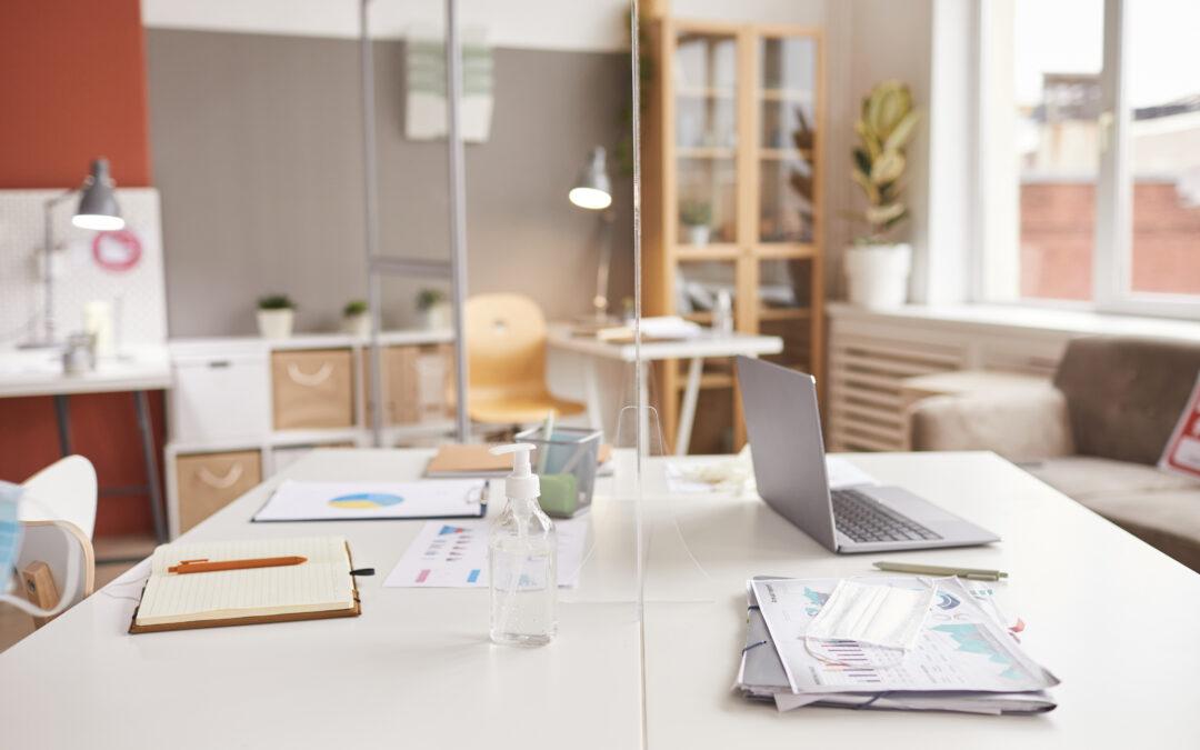 biurko praca podczas covid
